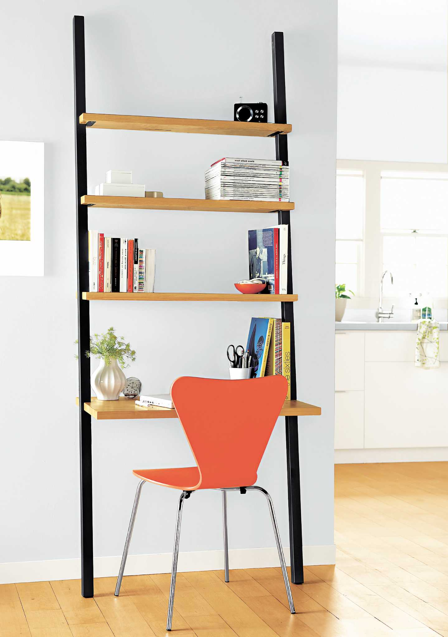 Minimalist Desks Simply Get The Job Done