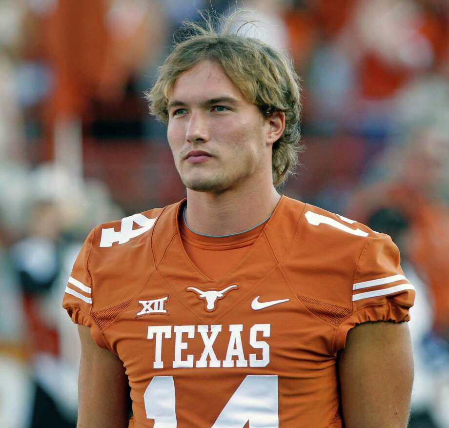 Former Texas quarterback David Ash, who has not played since the first game of the 2014 season because of concussions, has been cleared to return to football and will participate in the Longhorns' pro workout day March 28. Photo: Michael Thomas, Associated Press / FR65778 AP