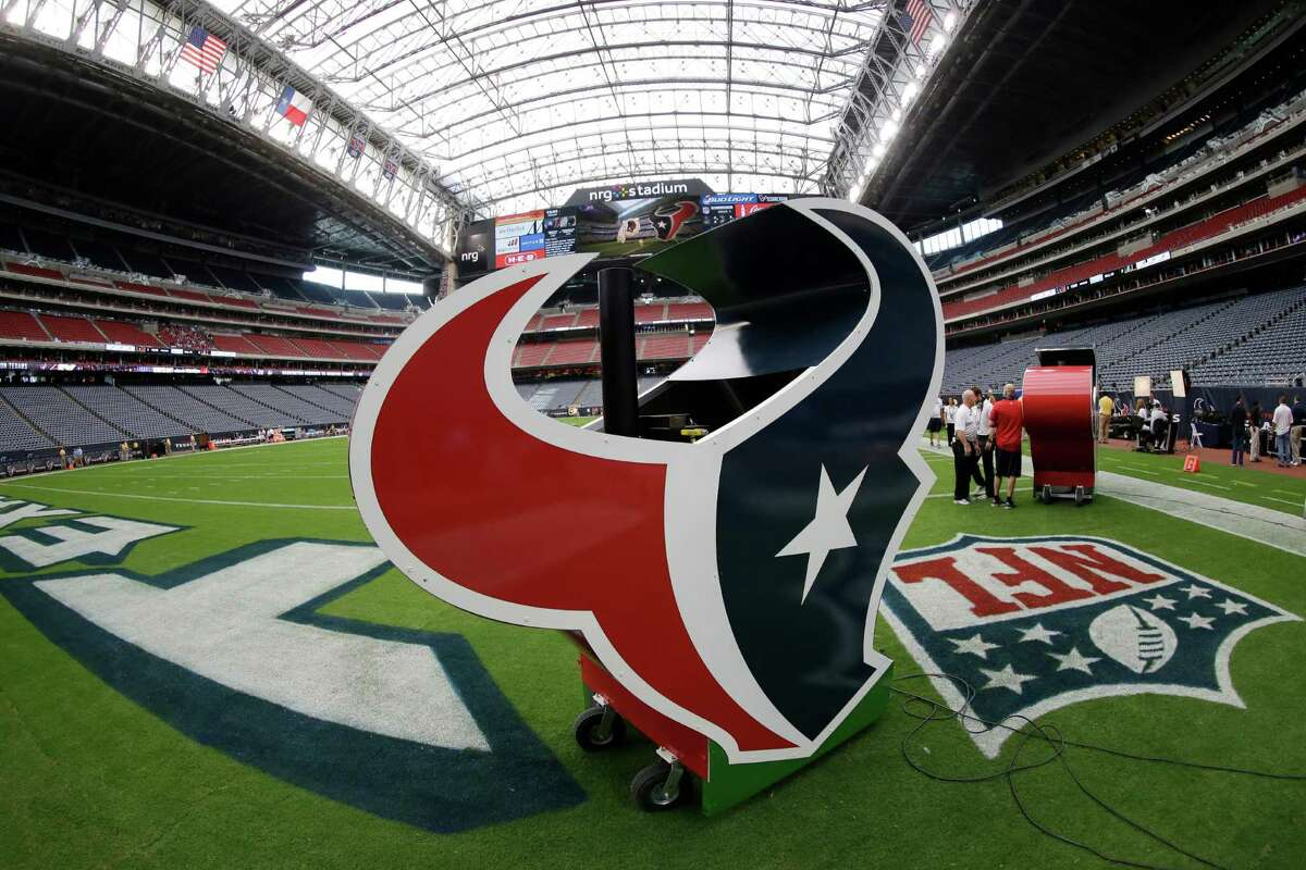 PHOTOS:Former members of Houston Texans in Super Bowl LIV Multiple NFL social media accounts were hacked, including the Texans. >>>Browse through the photos for alook at former members of the Houston Texans who will participate in Super Bowl LIV between the Chiefs and 49ers on Sunday ...