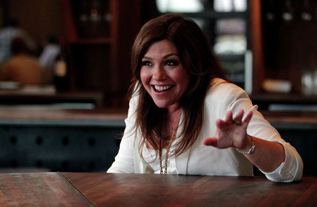Help with an essay about rachael ray!?