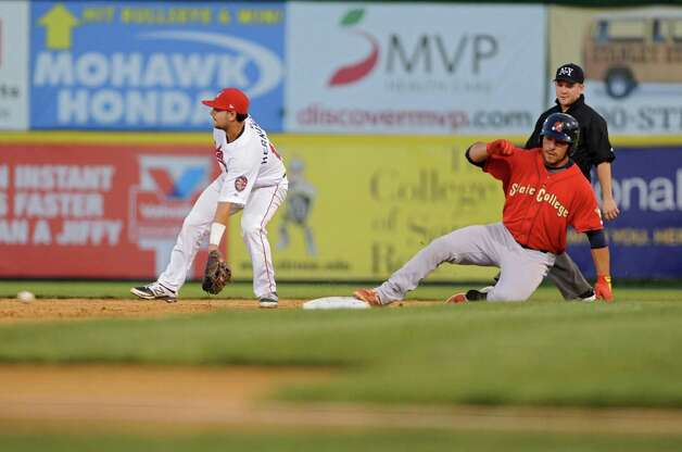 Tri-City ValleyCats second baseman Alex Hernandez scoops up the ball thrown in from the outfield as Alex De Leon is safe at second during game 2 of the New York-Penn League championship series against State College Spikes at Joe Bruno Stadium on Monday, Sept. 8, 2014 in Troy, N.Y. (Lori Van Buren / Times Union) Photo: Lori Van Buren / 00028500A