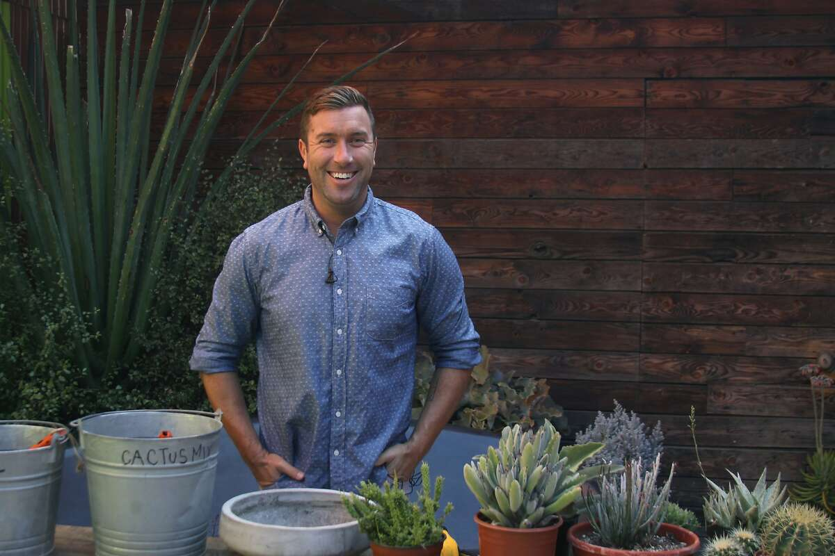 Garden Tribe is an online classroom that connects the world of gardeners with world-class horticulture experts and garden/floral designers such as Daniel Nolan of Flora Grubb Gardens in San Francisco.