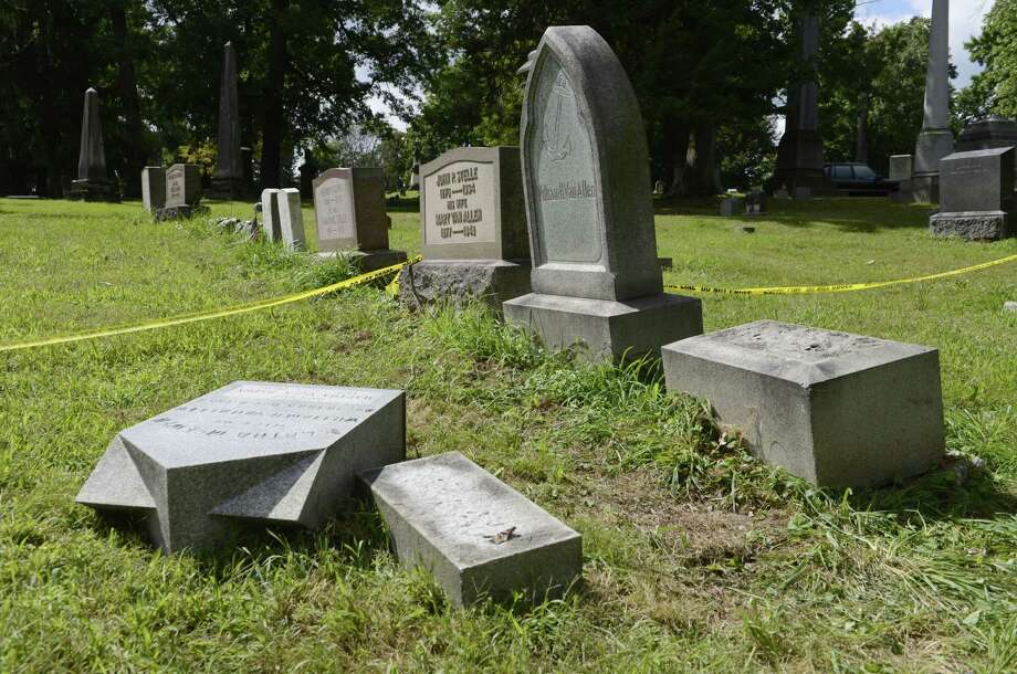 Site of the Van Allen family plot at Albany Rural Cemetery Tuesday, Sept. 9, 2014, where a 4-year-old boy was seriously injured when a gravestone fell on him Sunday in Colonie, N.Y. (Will Waldron/Times Union) Photo: WW