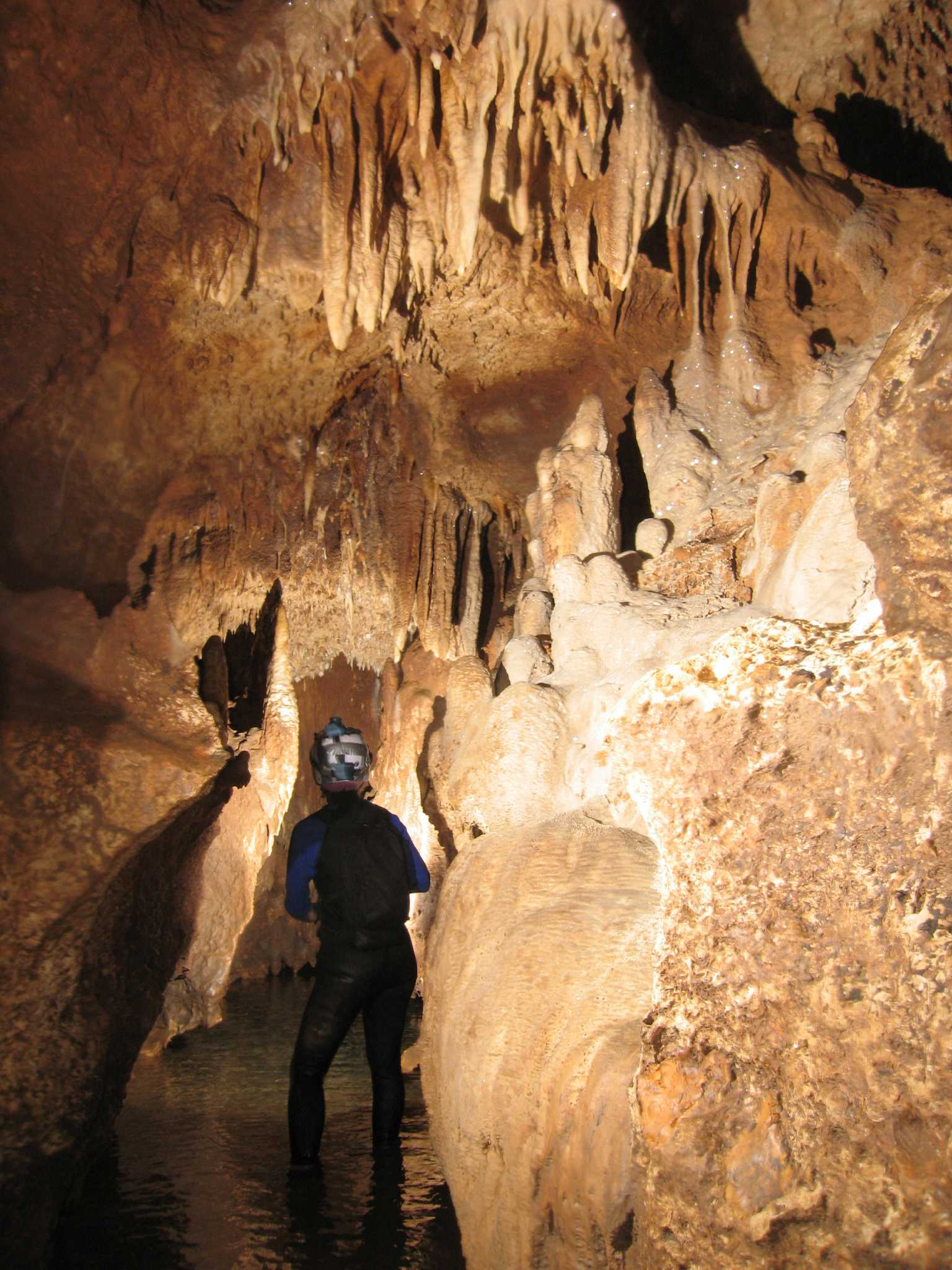 Go Inside Honey Creek Cave The Longest Known Cave In