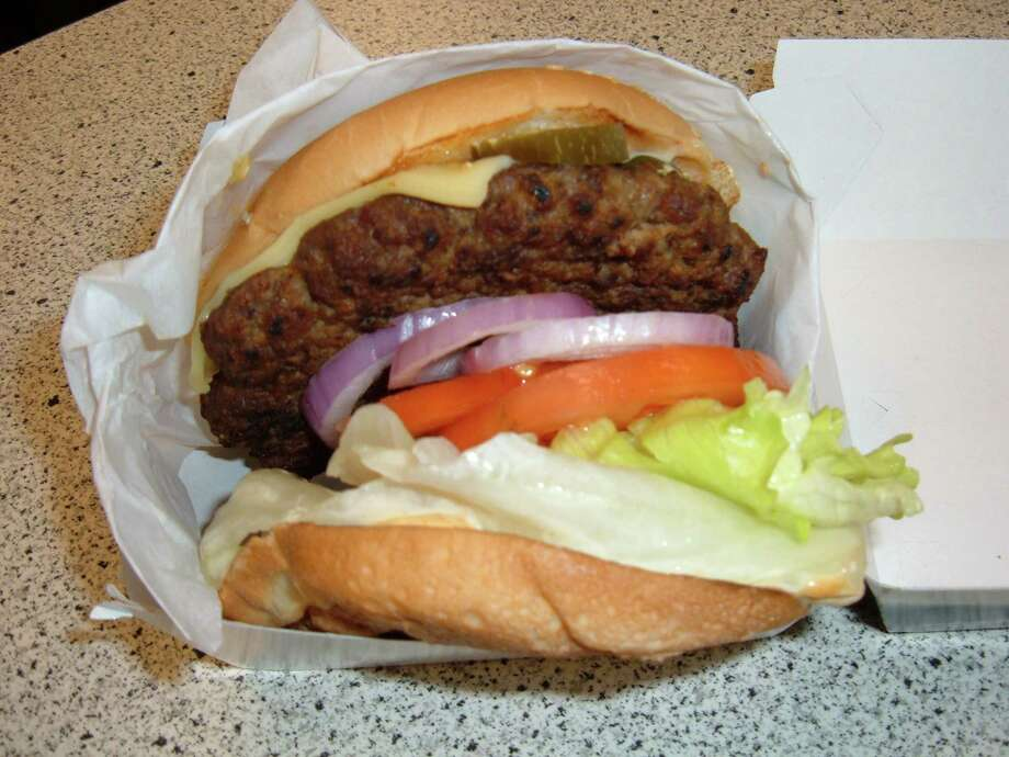 Carl's Jr. 1/3 lb. Jalapeno Thickburger, 880 calories. (The 1/2 lb. version is 1,090.) Photo: BrokenSphere, Wikimedia Commons