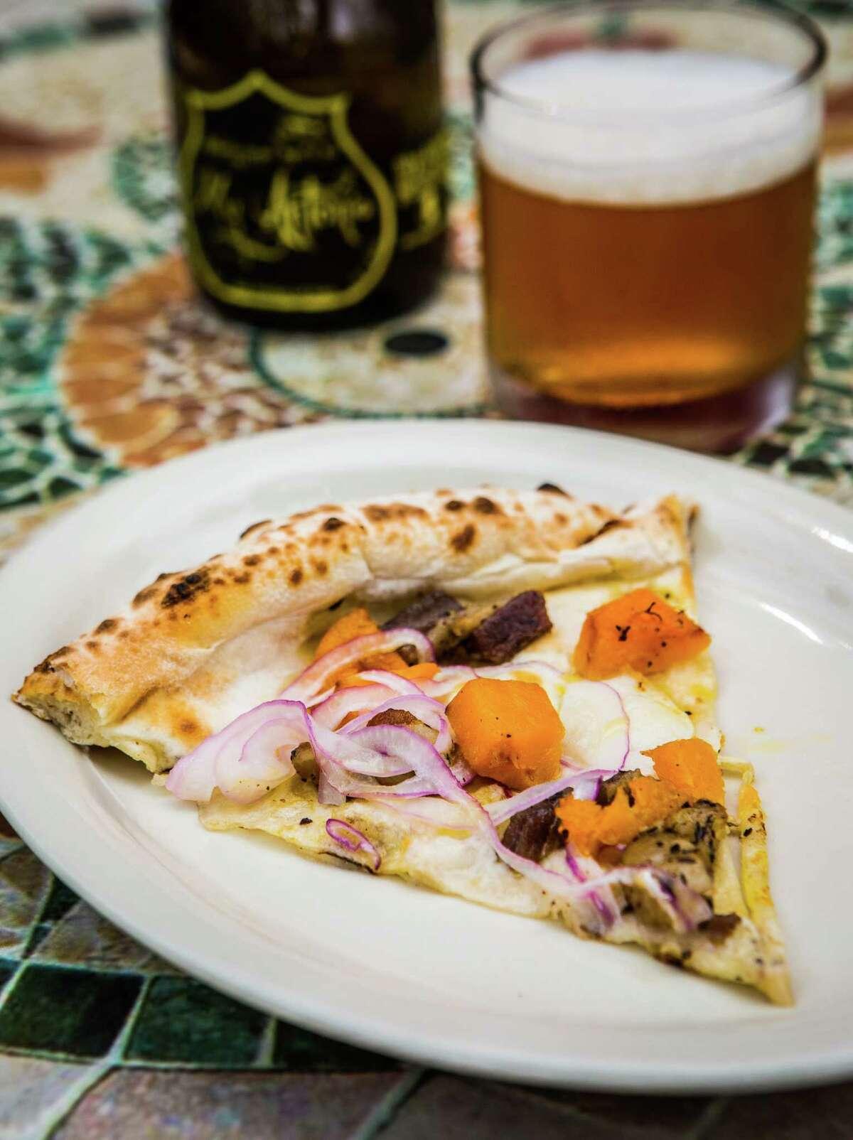 Dolce Vita's pizza zucca, Sunday, July 20, 2014, in Houston. ( Nick de la Torre )