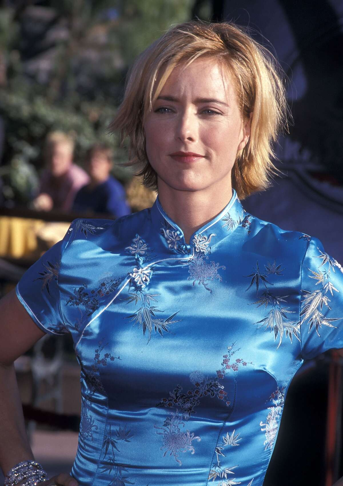 As Tea Leoni proved, Asian-inspired fashions were still very much a thing.