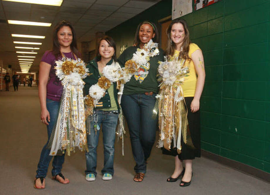 The Weird World Of Homecoming Mums Explored San Antonio Express News
