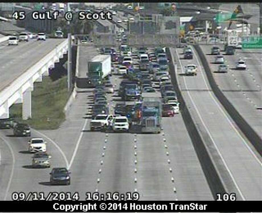 A heavy truck accident in the northbound land of Interstate 45 is affecting traffic flow into downtown Houston, Thursday, Sept. 11. Photo: Houston TranStar