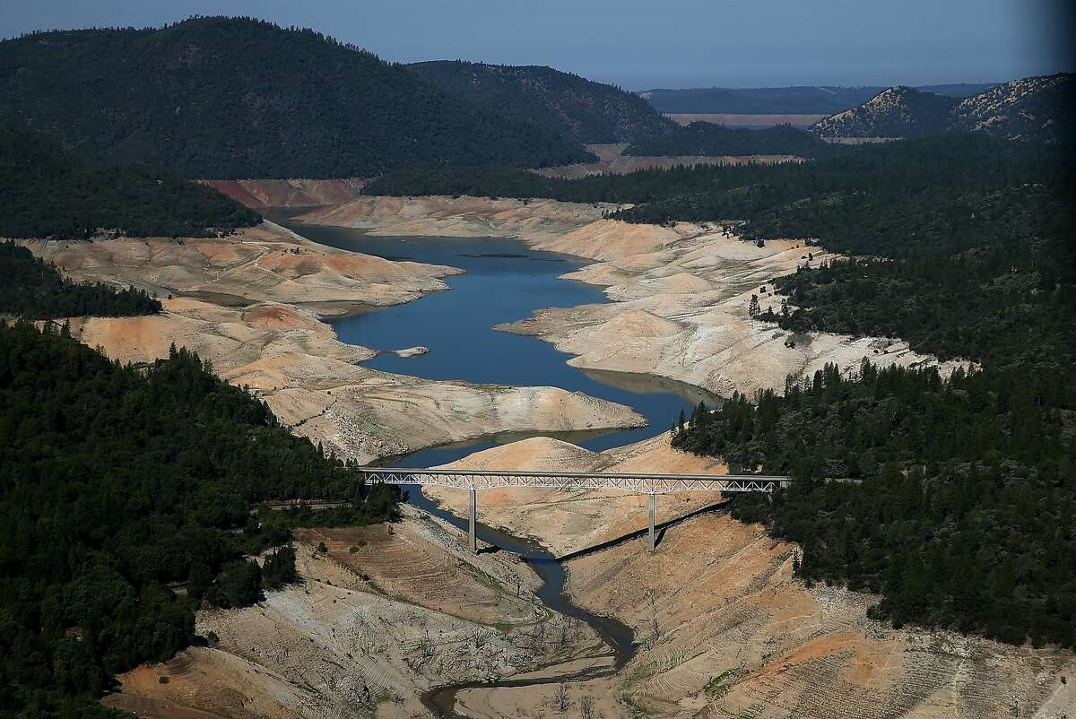 More Lake Oroville photos A section of Lake Oroville is seen nearly dry on August 19, 2014 in Oroville, California. As the severe drought in California continues for a third straight year, water levels in the State's lakes and reservoirs is reaching historic lows. Lake Oroville is currently at 32 percent of its total 3,537,577 acre feet.