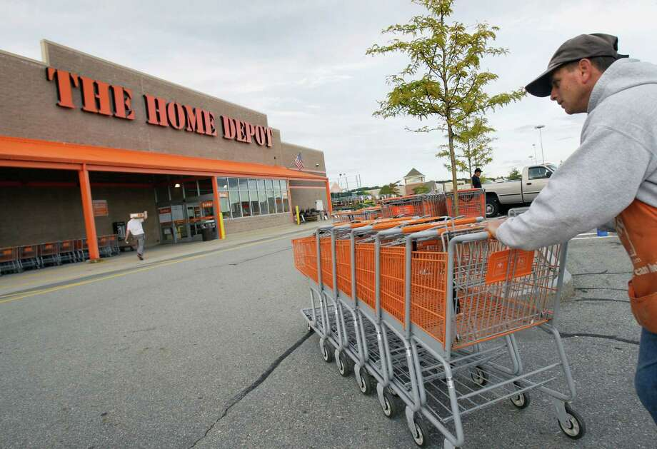 Home Depot announced Monday it is seeking 2,000 associates for its 45 Houston-area stores, as well as 50 workers for its distribution center in Pasadena. Photo: Elise Amendola, STF / AP