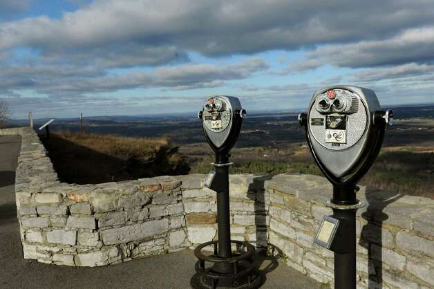 Observation deck at Cliff Edge Overlook on Tuesday, Nov. 19, 2013, at John Boyd Thacher Park in New Scotland, N.Y. (Cindy Schultz / Times Union) Photo: Cindy Schultz / 00024713A