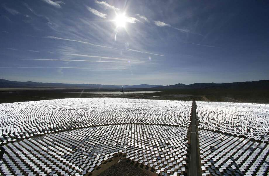 The Ivanpah Solar Electric Generating System, sprawling across about 5 square miles of federal land near the California-Nevada border, has ignited criticism from environmentalists. Photo: Chris Carlson / Associated Press / ONLINE_YES