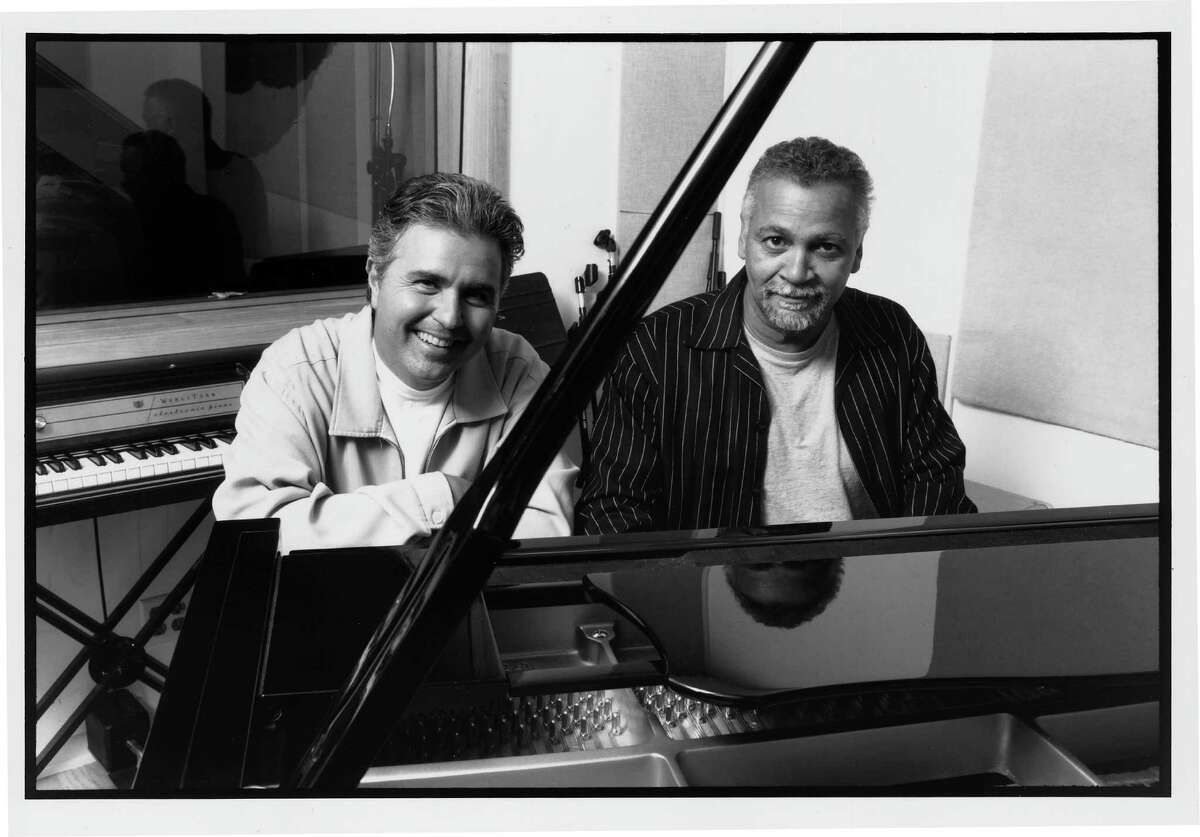 1/00 Steve Tyrell and Joe Sample. ZEST 1/16/00 HOUCHRON CAPTION (01/16/2000): Two Houston natives - Steve Tyrell, left, and pianist Joe Sample - came together in the studio to work on three songs for ``A New Standard.''