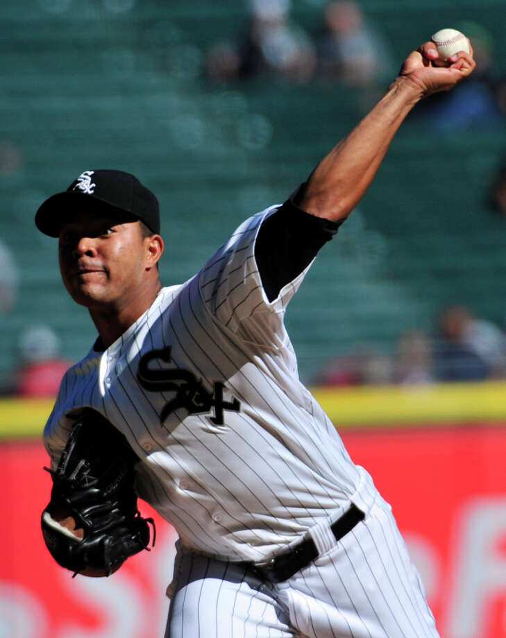CHICAGO, IL - SEPTEMBER 13:  Jose Quintana #62 of the Chicago White Sox pitches against the Minnesota Twins during the first inning in game one of a doubleheader on September 13,  2014 at U.S. Cellular Field in Chicago, Illinois.  (Photo by David Banks/Getty Images) Photo: David Banks, Stringer / Getty Images / 2014 Getty Images