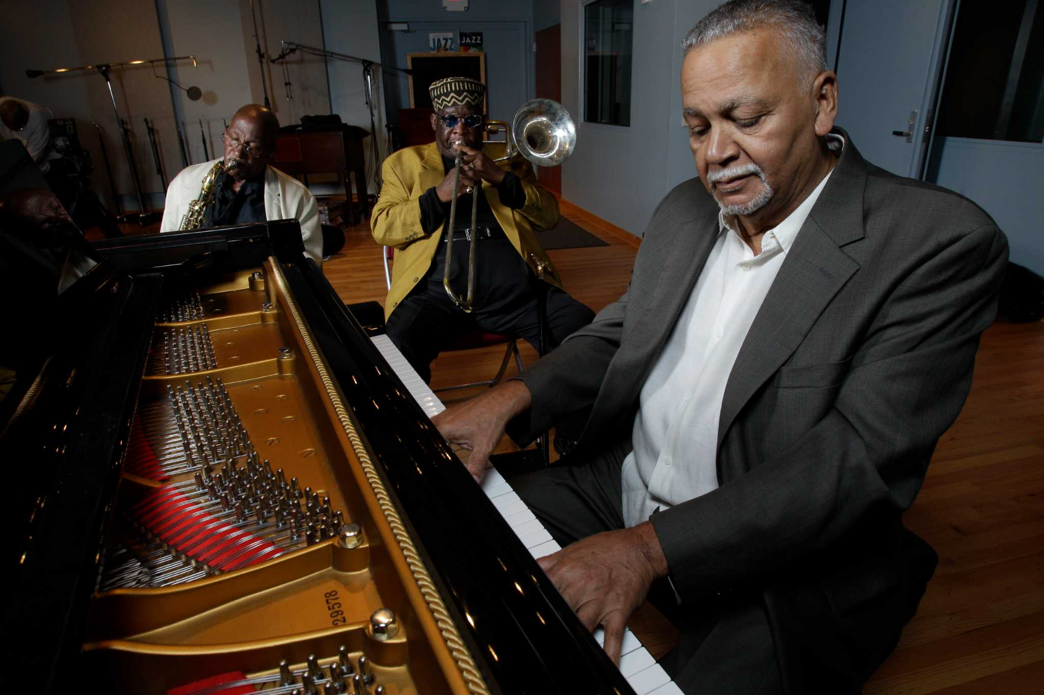 pianist joe sample  also a prolific composer  dies at 75