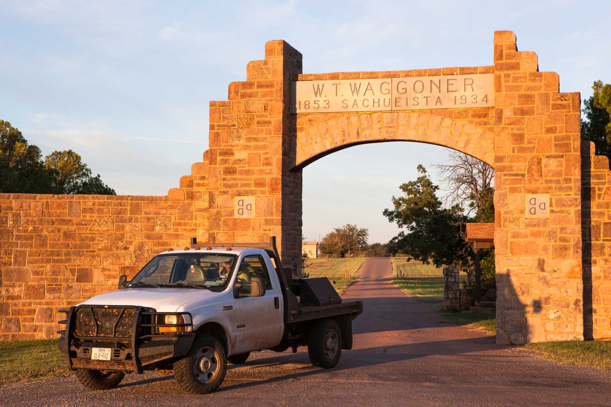 Massive Waggoner Ranch, \