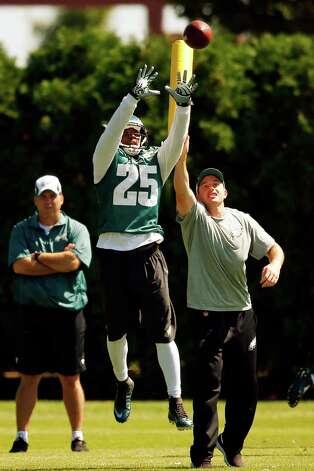 Philadelphia Eagles' LeSean McCoy catches a pass during NFL football practice at the team's training facility, Friday, Sept. 12, 2014, in Philadelphia. (AP Photo/Matt Rourke) ORG XMIT: PAMR101 Photo: Matt Rourke / AP