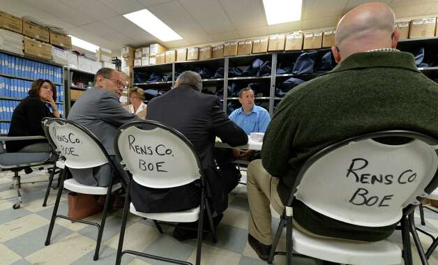 A recount of ballots from the Independent Party took place in the Rensselaer County Board of Elections Monday morning, Sept. 15, 2014, in Troy, N.Y.    (Skip Dickstein/Times Union) Photo: SKIP DICKSTEIN / 00028587A