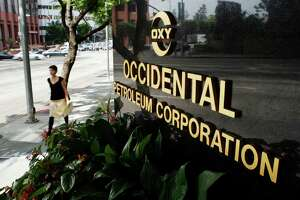 Occidental Petroleum Corp., which recently moved its headquarters to Houston from Los Angeles, has settled with New Jersey in a pollution case.