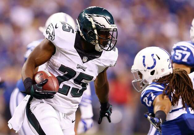 INDIANAPOLIS, IN - SEPTEMBER 15:  Running back LeSean McCoy #25 of the Philadelphia Eagles carries the ball against the Indianapolis Colts during a game at Lucas Oil Stadium on September 15, 2014 in Indianapolis, Indiana.  (Photo by Andy Lyons/Getty Images) ORG XMIT: 504259723 Photo: Andy Lyons / 2014 Getty Images