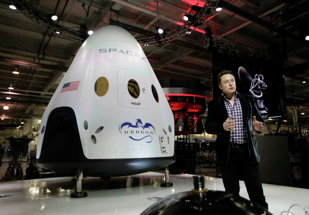 The future of space flight From SpaceX to Blue Origin to Boeing, a number of companies are competing for NASA dollars as they try to revolutionize space travel. See the big names in the blossoming industry.
