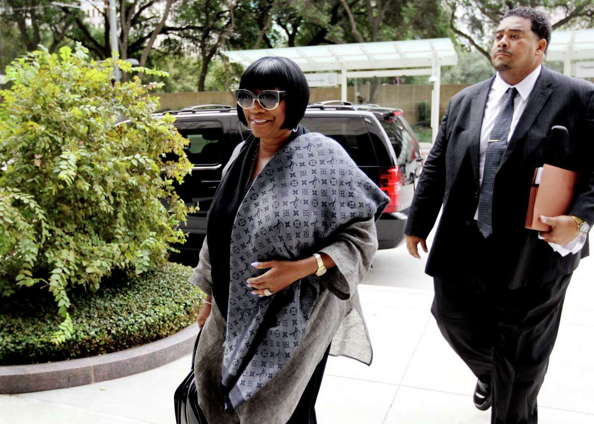 Legendary R&B diva Patti LaBelle arrives at Houston Federal Courthouse for jury selection on Sept. 16.