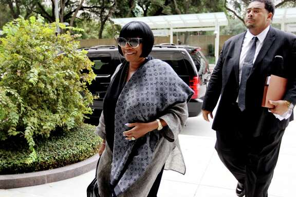 Legendary R&B diva Patti LaBelle arrives Tuesday at Houston Federal Courthouse for jury selection.