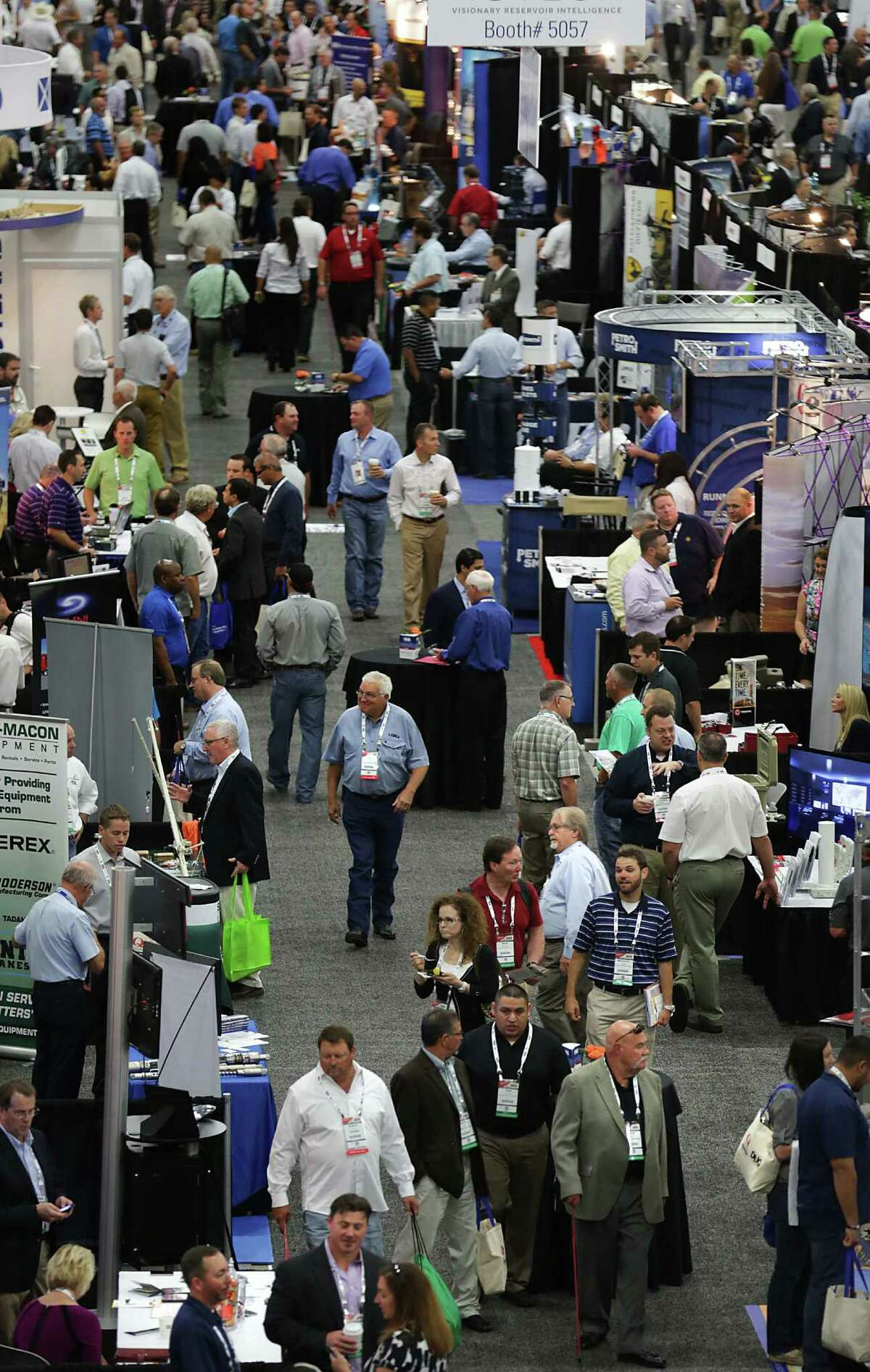 A Convention Center exhibit space drew crowds at Hart Energy's DUG Eagle Ford Conference.