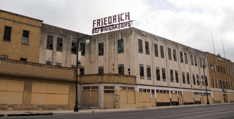 The Historic and Design Review Commission voted unanimously to raze roughly half of the Friedrich Building complex, clearing the way for redevelopment of the site. Photo: Julysa Sosa / For The Express-News / Julysa Sosa For the San Antonio Express-News