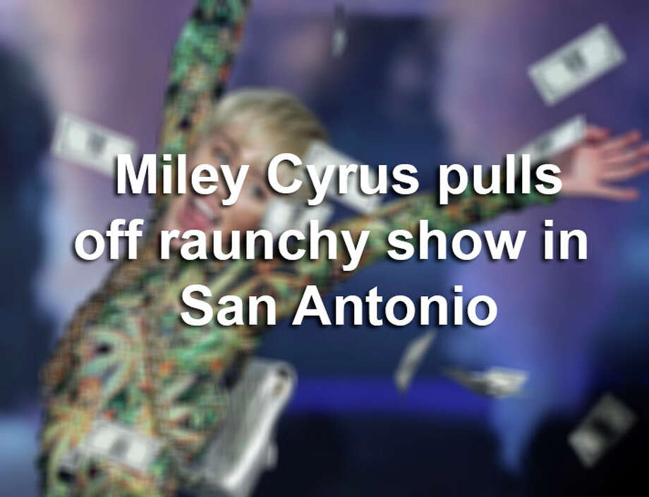 Miley Cyrus performs Saturday March 15, 2014 at the AT&T Center. / © 2014 San Antonio Express-News