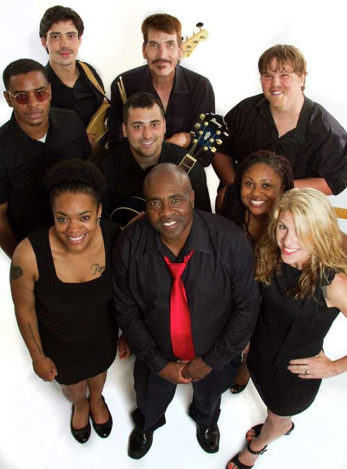 Derrick Horton and the Jay Street Band. (Jamel Mosely/Mel eMedia)
