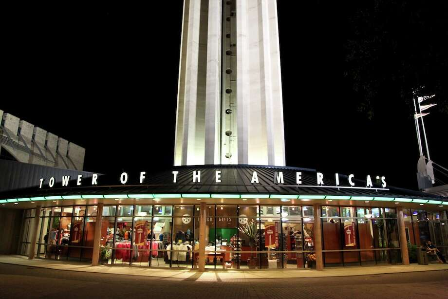 The entrance to the Tower of the Americas. Photo: Xelina Flores-Chasnoff, San Antonio Express-News / SAN ANTONIO EXPRESS-NEWS