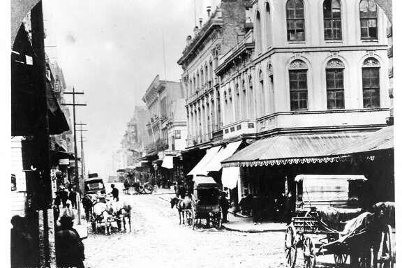 Dupont Avenue in Chinatown in San Francisco, 1890s. The first victim of the plague in San Francisco died on this street.