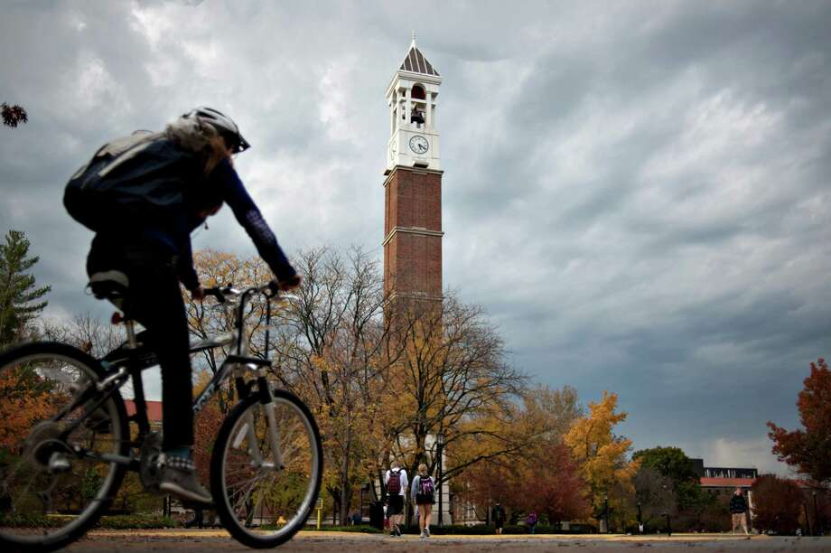 "According to employee reviews and ratings on Glassdoor, these are the nation's top 25 universities to work for:No. 25: Purdue UniversityEmployer rating: 4.1/5.0""Friendly staff, hours are flexible, great opportunity to learn from others and grow."" -- Purdue University research assistantSource: Glassdoor Photo: Daniel Acker, Bloomberg / © 2012 Bloomberg Finance LP"