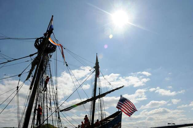 Local middle school children return from their student voyage of discovery aboard the replica ship the Half Moon on Friday Sept. 19, 2014 in Albany, N.Y. (Michael P. Farrell/Times Union) Photo: Michael P. Farrell / 00028611A