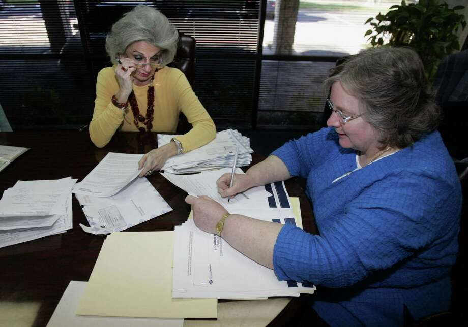 Retirees must prepare for income from their portfolios to fluctuate as the market conditions change. Photo: John F. Rhodes / Dallas Morning News