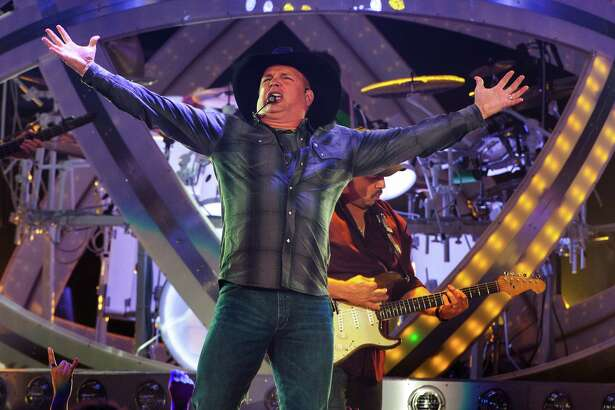 Country music star Garth Brooks kicks off his Garth Brooks World Tour at the Allstate Arena on Thursday, Sept. 4, 2014, in Rosemont, IL. (Photo by Barry Brecheisen/Invision/AP)