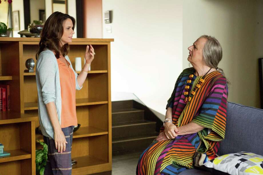 "Amy Landecker and Jeffrey Tambor star in ""Transparent."" Photo: Beth Dubber / ONLINE_CHECK"