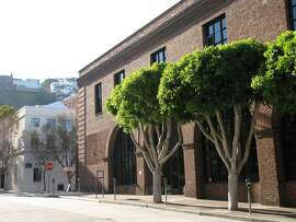 One of a dozen or more former warehouses at the base of Telegraph Hill near the Embarcadero, this red-brick structure from 1907 was designed by legendary local architect Willis Polk. It now houses offices.