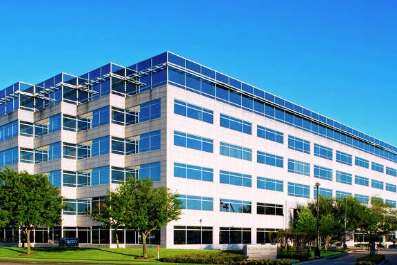 Clarion Partners has purchased Westchase Corporate Center, a 184,259 square foot building at 10111 Richmond, from DRA Advisors. JLL marketed the property.