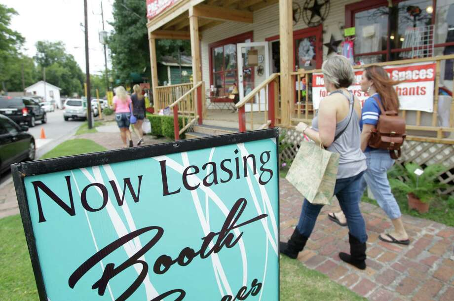 Small businesses are on rotation in Old Town Spring because a slump in oft-overlooked communities has made it hard for them to keep a foothold in the area. Photo: Melissa Phillip, Staff / © 2014  Houston Chronicle
