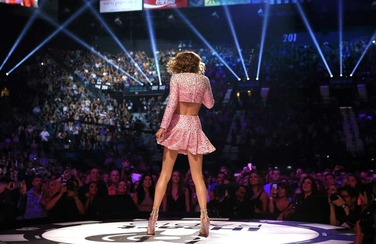 Singer Taylor Swift performs onstage at the 2014 iHeartRadio Music Festival at the MGM Grand Garden Arena on Sept. 19, 2014 in Las Vegas, Nevada.