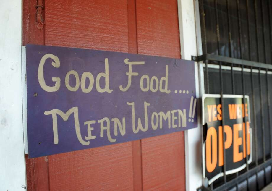 West Texas Style Bar-B-Que in Silsbee. Photo taken Tuesday, September 09, 2014 Guiseppe Barranco/@spotnewsshooter