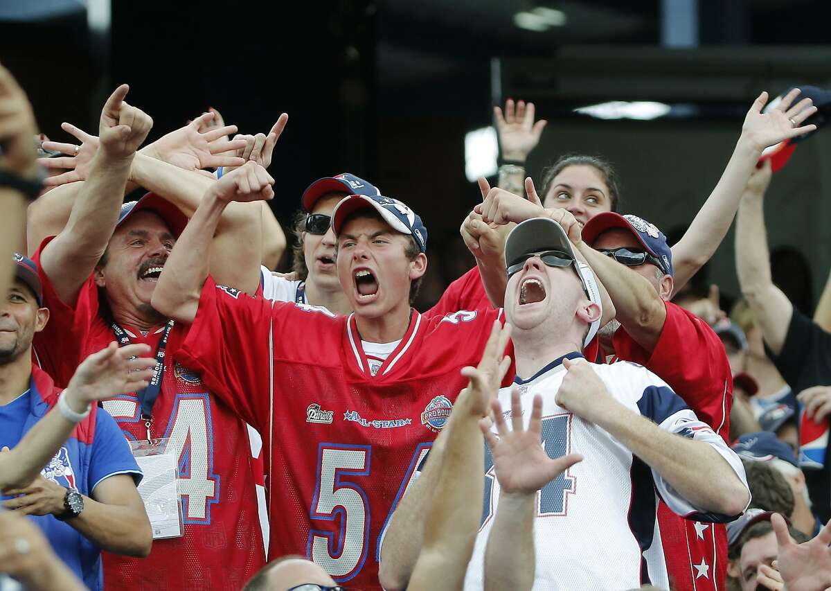10. New England Patriots Oyster shucking, scallop grilling, fresh clams, shrimp, and lobster rolls make these tailgate parties a seafood spectacular. And don't for get the Chowder!(AP Photo/Elise Amendola)