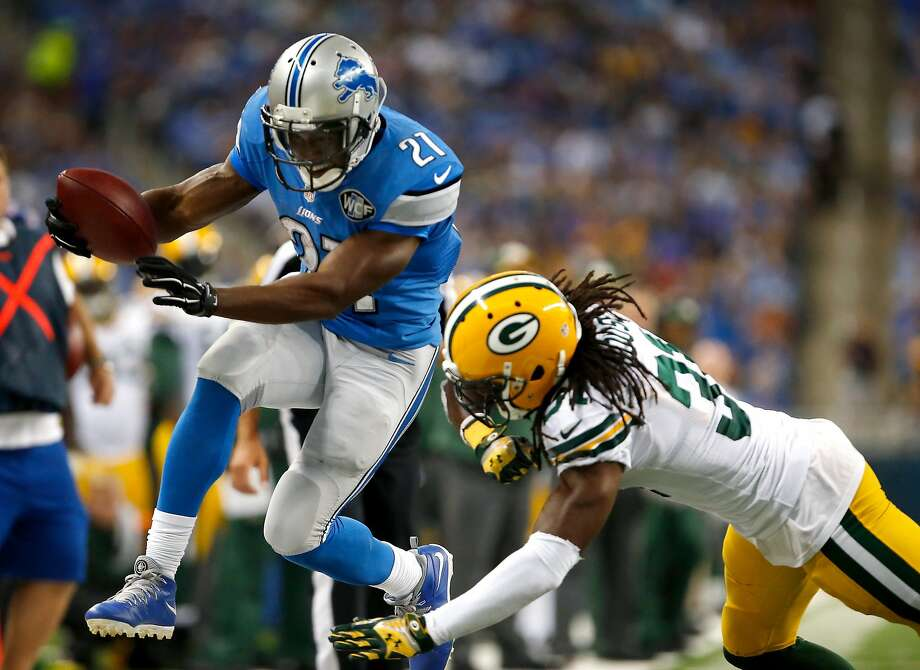 Reggie Bush of the Detroit Lions jumps for a first down after a second quarter catch against the Green Bay Packers at Ford Field on September 21, 2014 in Detroit. Photo: Gregory Shamus, Getty Images