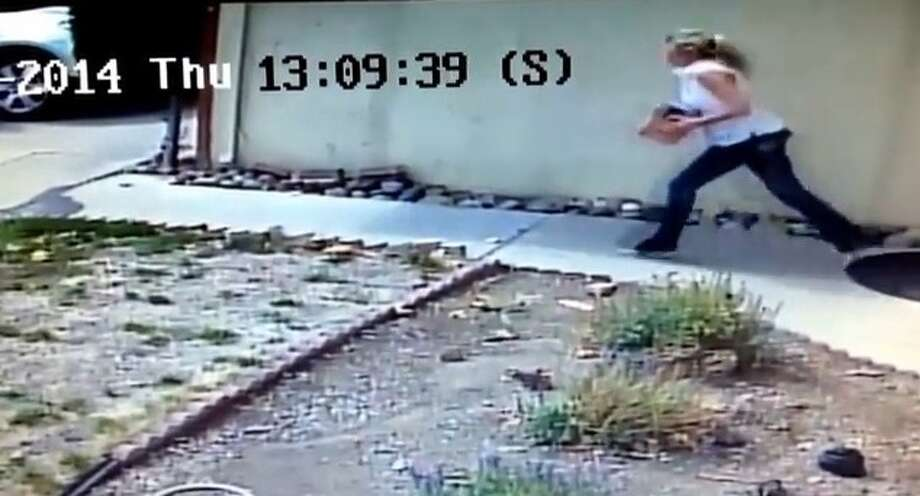 Police are trying to track down a woman who swiped a package from a Livermore home Thursday. Photo: Livermore Police / ONLINE_YES