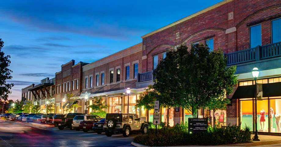 La Centerra In Katy Texas Is A Neighborhood Hub Of Great Restaurants And Boutiques