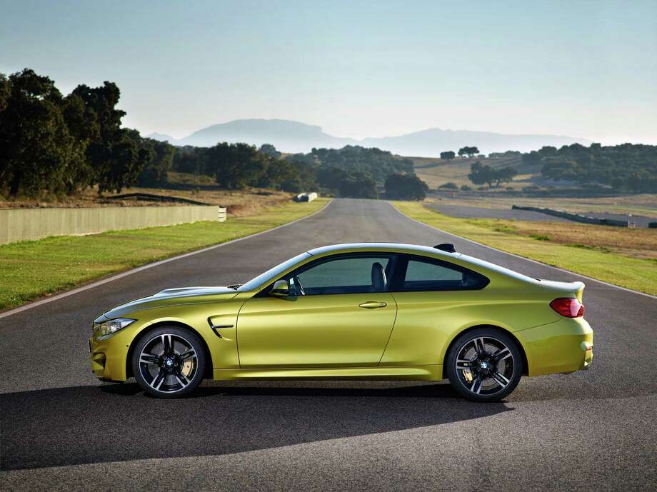 BMW M3 Sedan and BMW M4 Coupe Photo: BMW / ONLINE_CHECK