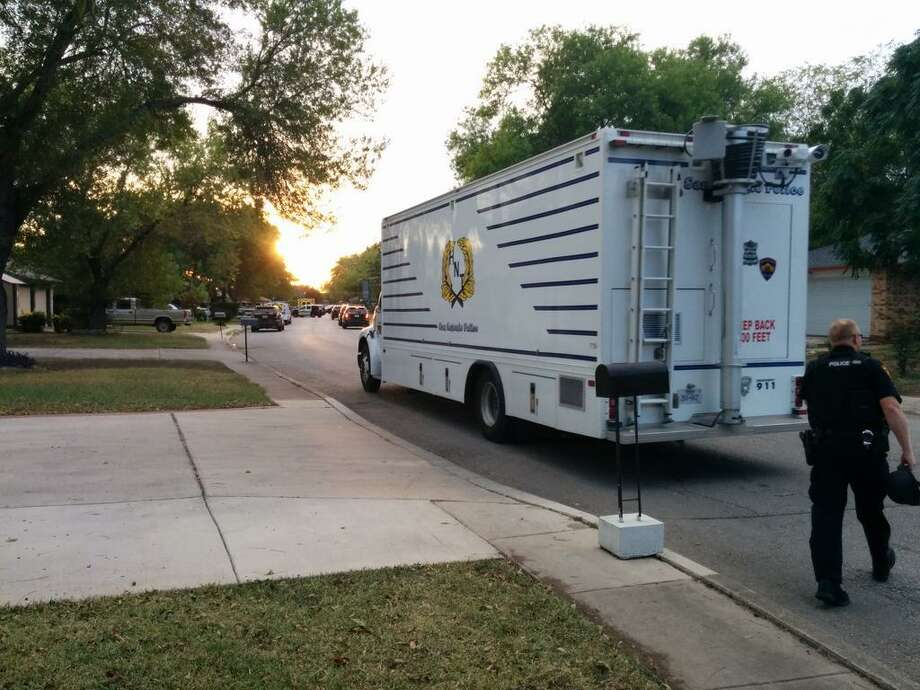 The San Antonio Police Department's hostage negotiation trailer arrives at a scene of a reported shooting in the 9700 block of Hidden Plains Street on the city's Northwest Side on Tuesday, Sept. 23, 2014. Photo: Jacob Beltran/San Antonio Express-News
